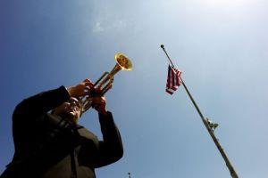 Angelinos rinden honores a los latinos caídos (fotos)