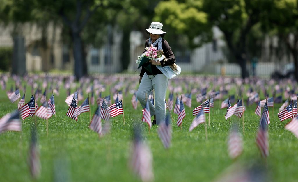 En honor de los militares fallecidos en combate.