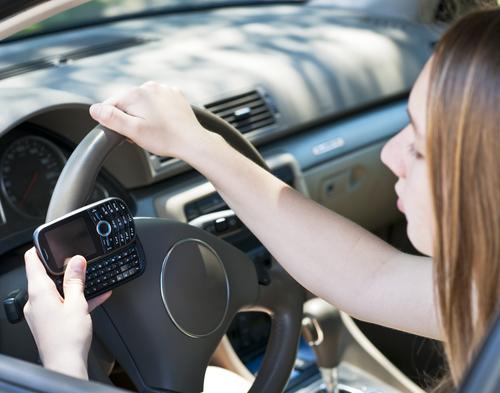 Lo que debes saber sobre la nueva ley que prohíbe manejar y textear en Florida