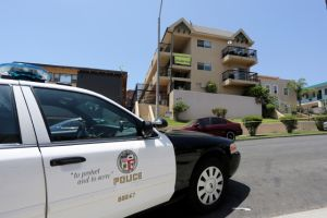 Un niño de 11 años muere apuñalado en Westlake