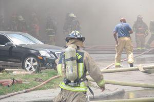 Identifican a bomberos fallecidos en incendio en Houston