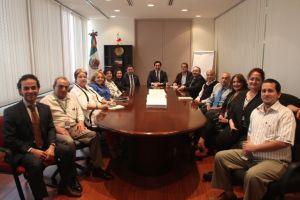Adiós al cónsul mexicano David Figueroa en LA