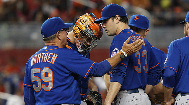 El trabajo de Marcell Ozuna y Greg Dobbs ayudó a los Marlins de Miami a derrotar a los Mets de Nueva York.