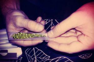 Latina interesada en abrir dispensario de marihuana en Chicago