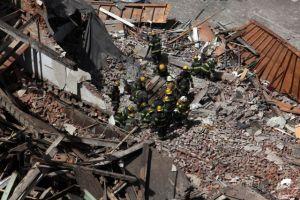 12 heridos y 2 atrapados en derrumbe en Filadelfia (video en vivo)