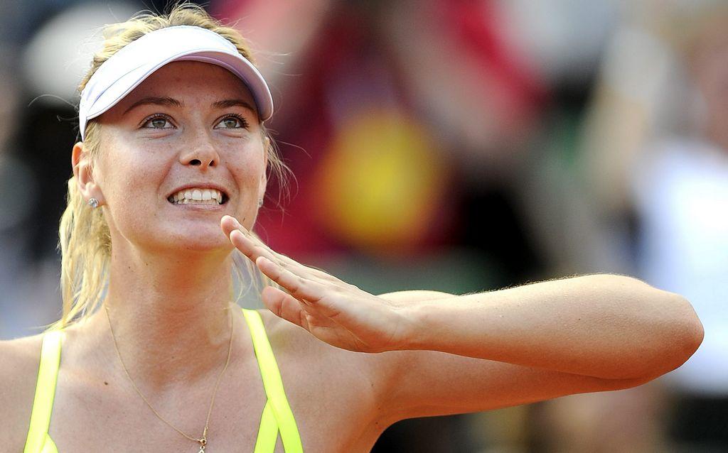 Sharapova sufrió ante la bielorrusa Azarenka.