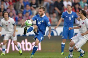 Italia empata con los checos y es líder de grupo (Fotos)