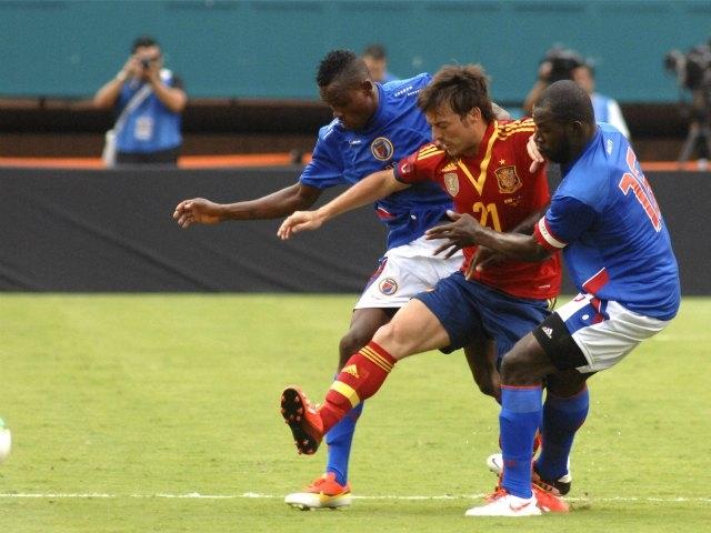 España derrota 2-1 a Haití en flojo partido (Fotos)