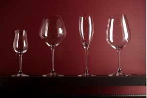 Ventajas y desventajas de las copas de cristal y de vidrio