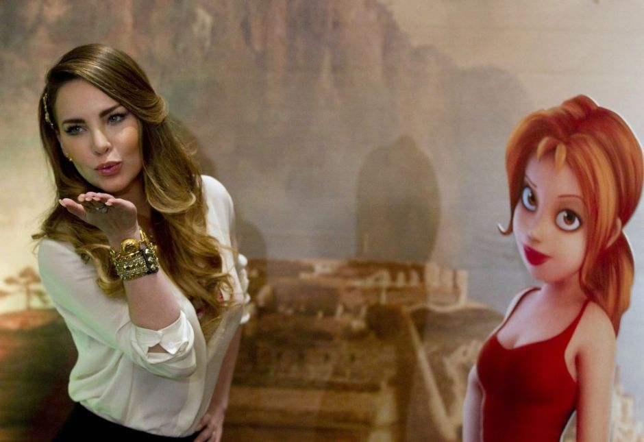 Belinda presume de lujosa mansión