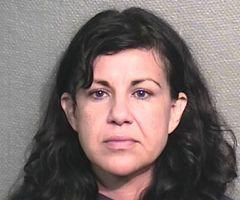 Acusada de matar a su novio con su tacón acude a la corte