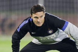 El veterano Zanetti renueva contrato con el Inter