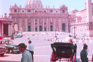 Problemas con tarjetas de crédito en el Vaticano afecta a visitantes
