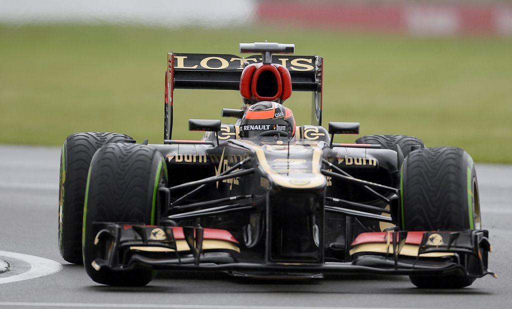 Infinity Racing compra 35% de Lotus