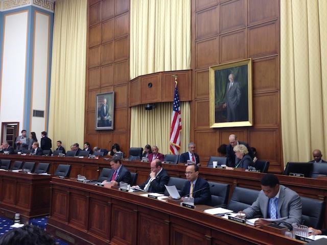 Congreso debate polémicas enmiendas de plan migratorio