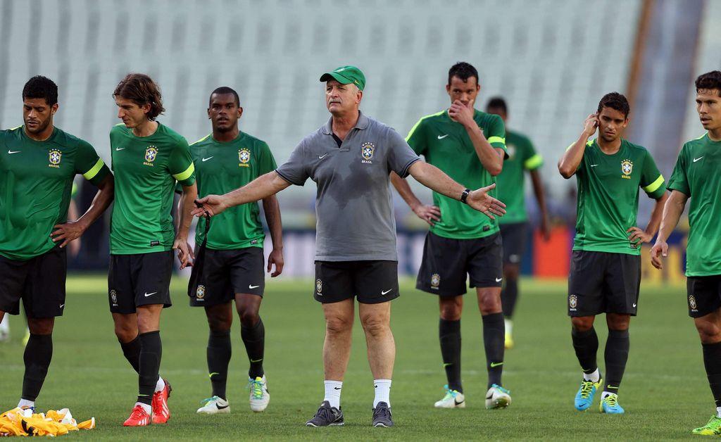 Scolari afirma que México 'se crece' ante Brasil