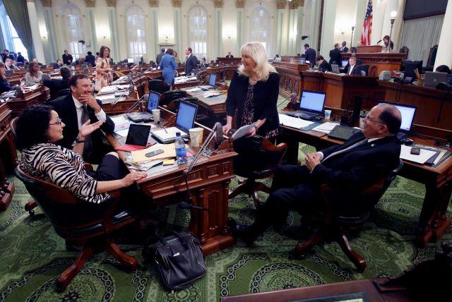 Legisladores de California recibirán aumento de salario