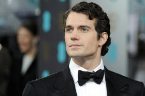 Henry Cavill podría ser sustituido en el papel de Superman por este actor, que ha enloquecido a las chicas