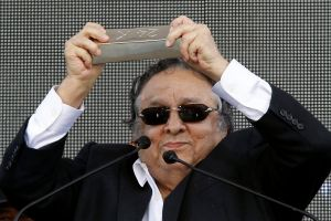 Sulaimán llama 'infantil' al 'Canelo' Álvarez