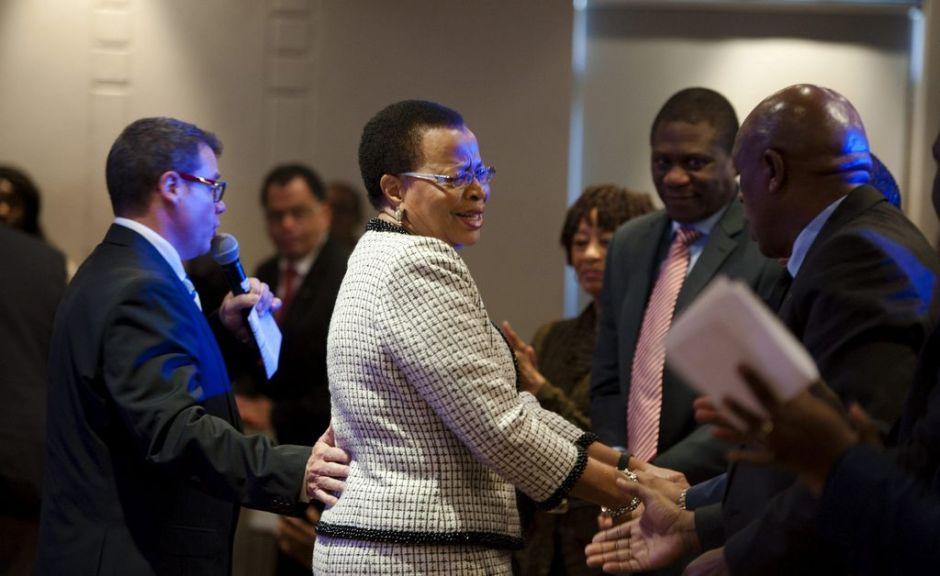 "Gobierno sudafricano niega ""estado vegetativo"" de Mandela"