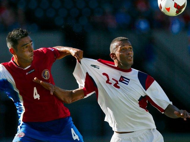 Costa Rica sufre, pero vence 3-0 a Cuba (Fotos)