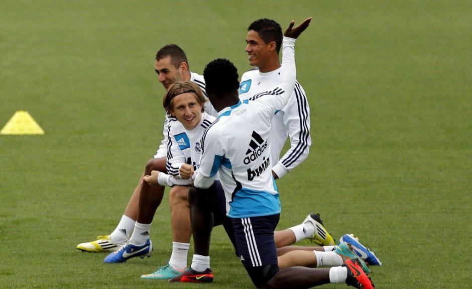 Varane vuelve a entrenar con el Real Madrid