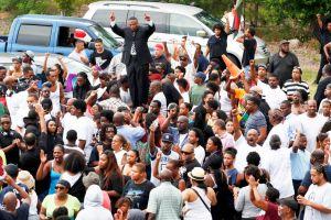 Grupos opuestos en el caso de Trayvon Martin podrían chocar en Houston