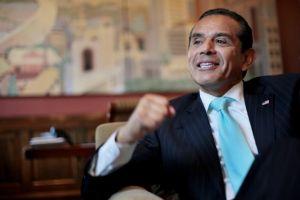 Ex alcalde de Los Ángeles tiene nuevo empleo