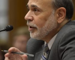 Fed siguirá  compra de bonos