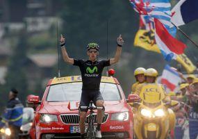 Costa gana etapa y Froome se acerca a París