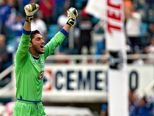 Cruz Azul debuta con triunfo en el Apertura 2013 (Video y fotos)