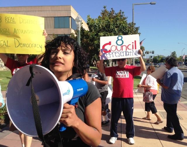 Protestan cambios en Anaheim