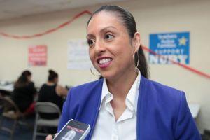 Martínez gana elección en Distrito 6 de LA