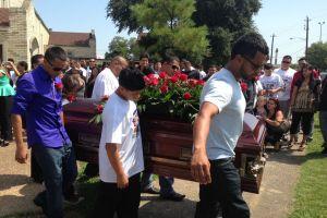 Familiares y boxeadores de Houston dan el último adiós a Damazo Tello