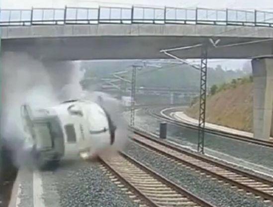 Conductor de tren en España iba al doble de velocidad (fotos)