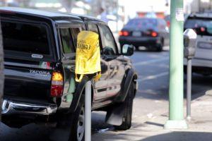 Angelinos salen con multas de los parquímetros rotos