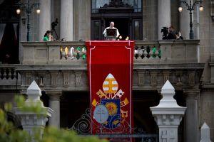 Papa Francisco conmueve durante el rezo del 'Angelus'