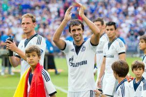 Schalke 04 rinde homenaje a Raúl
