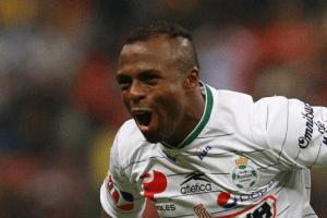 Chucho Benítez será guerrero de honor con Santos