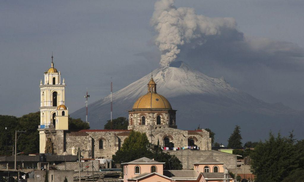 Popocatépetl produce una hora de tremor constante