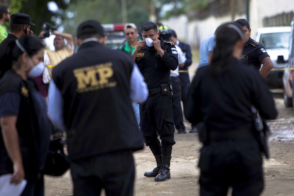 Avioneta se desploma en Guatemala, hay tres muertos