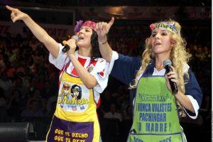 'Las Lavanderas' critican y hacen reir en el teatro