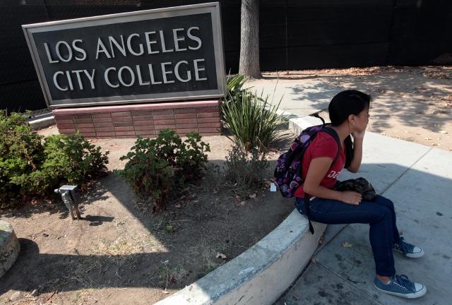 Colegio Comunitario de Los Ángeles ofrece educación gratuita