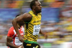 Bolt inicia el camino al título mundial (Video)