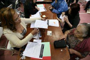 Mexicana de 99 años recibirá carta de naturalización