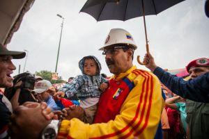Critican a Maduro por solicitar poderes especiales