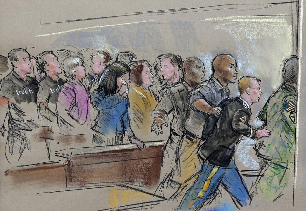 Familiares de Manning esperaban una condena más dura