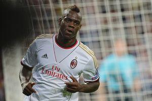 Balotelli recibe cálidamente a compañero del Milan (video)