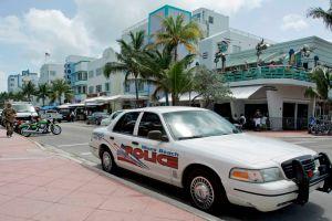 Policía de Miami Beach enfrenta críticas por abuso de fuerza