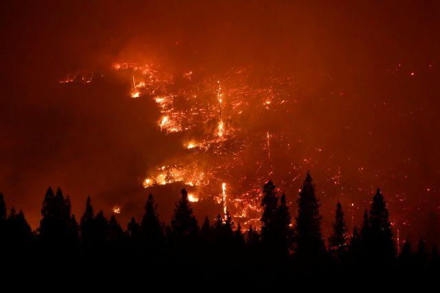Incendio en California amenaza a las secuoyas (video)